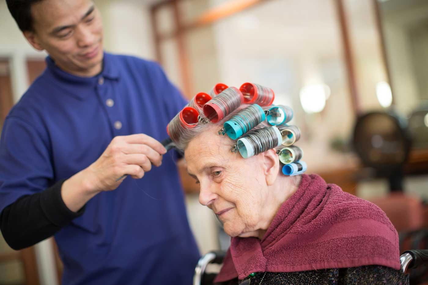 Grand Oaks Activities hair salon